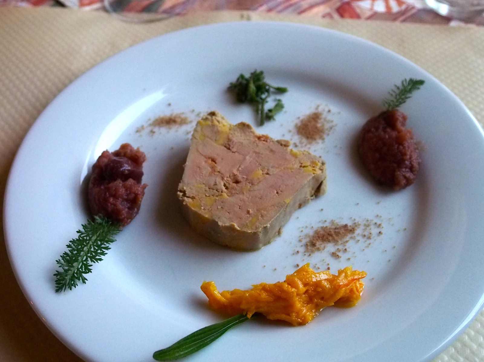 Foie gras maison Amuse bouche ferme auberge du Charapont